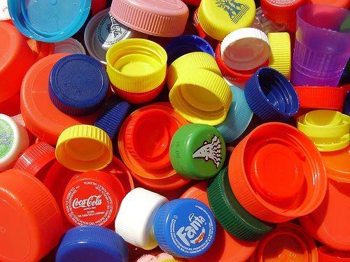 01-Tapones-de-botellines-de-agua-Coca-Cola-refrescos