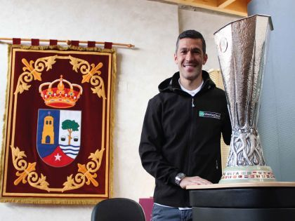 Luis-García-Presentación-UEFA